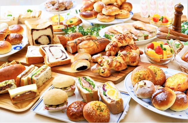 約50種類の焼きたてオリジナルパンをお楽しみいただけます