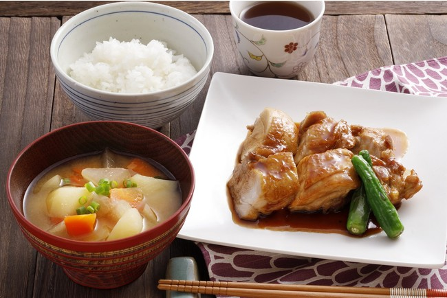 鶏の照り焼き/具沢山味噌汁