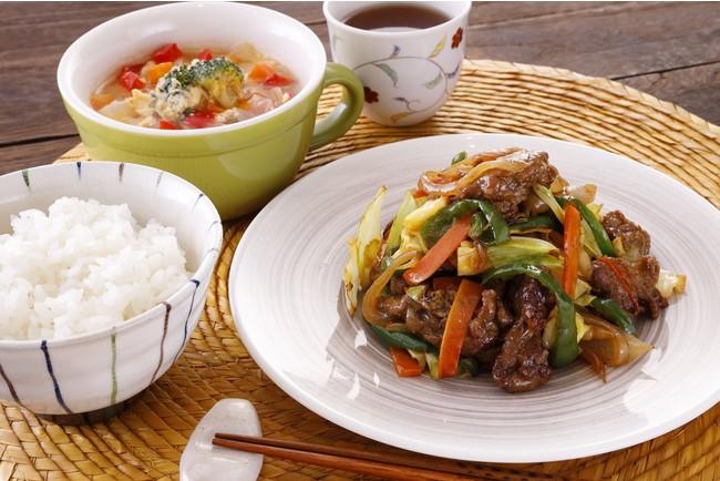 牛肉と野菜のオイスター炒め/野菜と卵のスープ