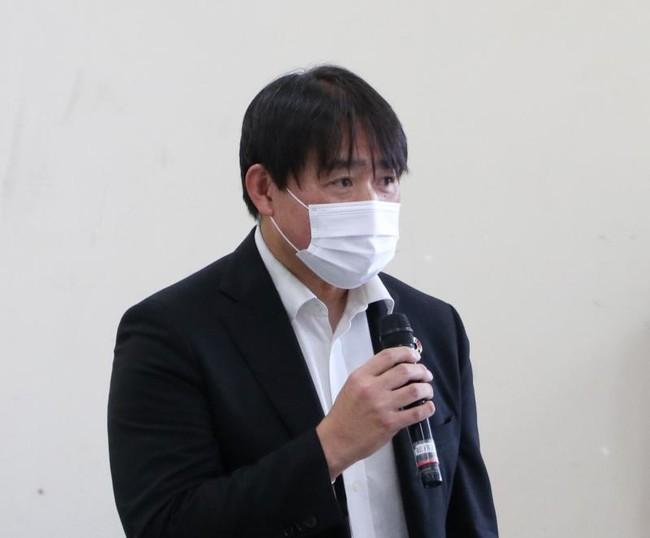 リスク管理上の注意点を共有する山崎研究協力部長