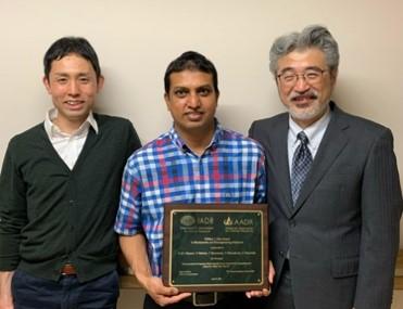 (左から)仁科研究教授,Nizami大学院生(当時),高柴教授