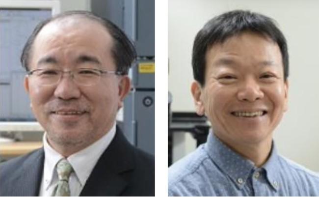 神崎浩教授と仁戸田照彦教授(右)