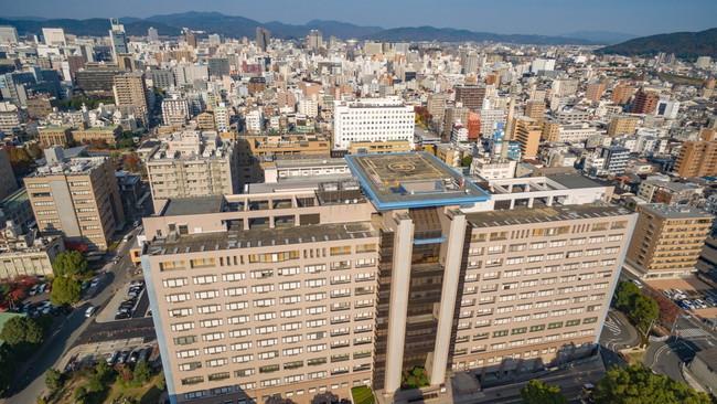 中四国地方で唯一の臨床研究中核病院である岡山大学病院(岡山市北区)