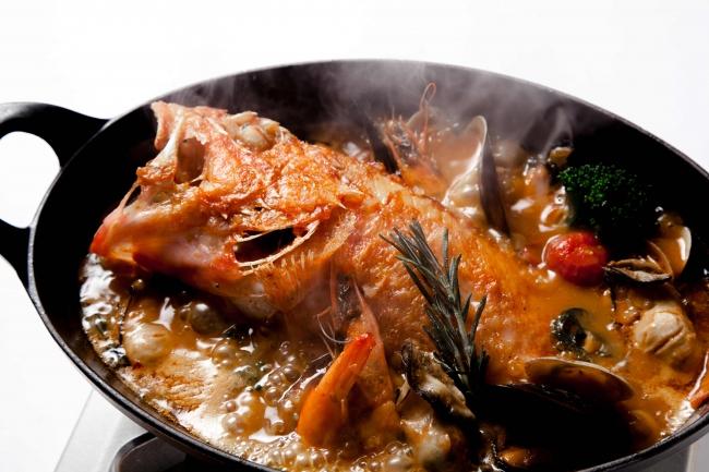 本日の鮮魚の特製ブイヤベース サフランの香りとアイオリソース