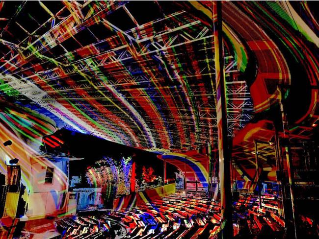 水上音楽堂でのデジタル掛け軸(イメージ)