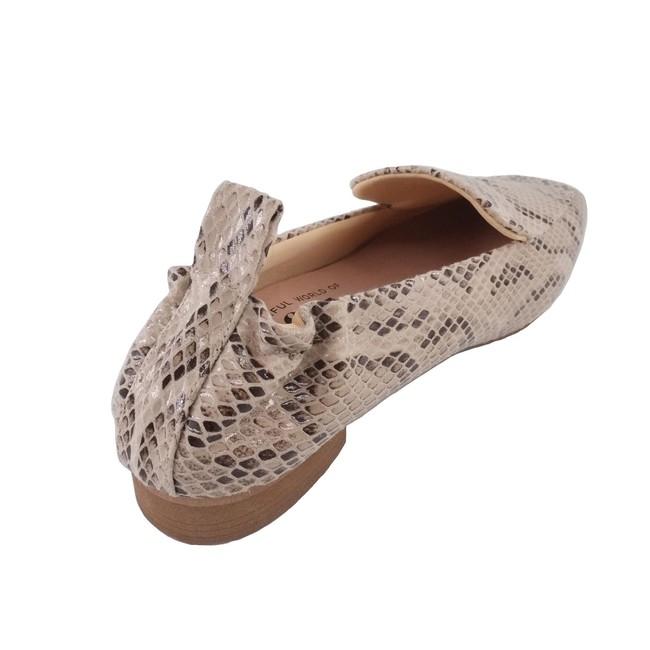 【farfalle】踵に入ったギャザーと靴ベラいらずの長めのループ