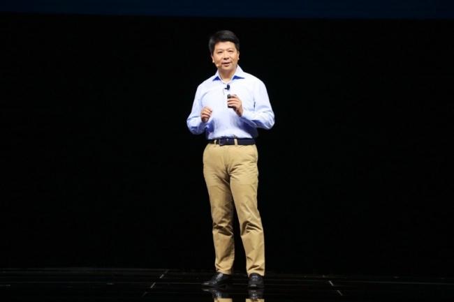 「HUAWEI CONNECT 2016」の最終日に、基調講演を行うファーウェイ輪番CEO兼取締役副会長 郭平