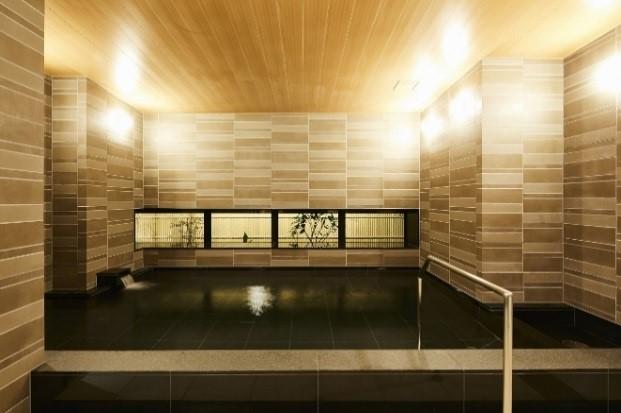 大 浴 場