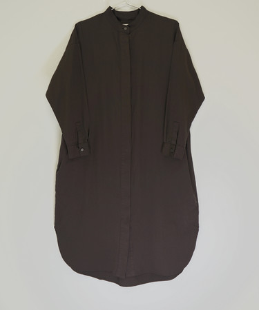 SHIRT DRESS(DARK BROWN) ¥26,400(税込)数量限定