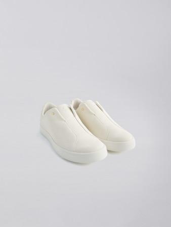 EFFORTLESSOR SLIP-ON(WHITE) ¥12,100(税込)