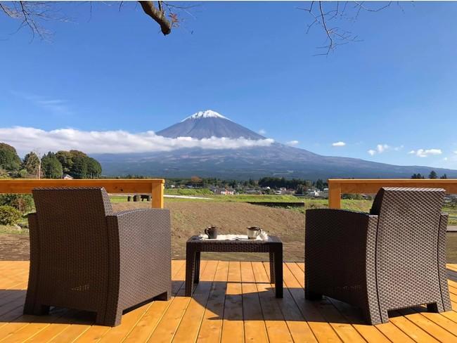 もうすぐ桜咲く、富士山デッキ