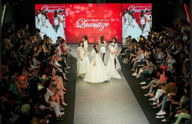 普段なかなか見ることのない本格的なファッションショー!憧れのウェディングドレスやサプライズドレスも登場予定!