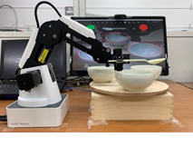 視線制御による介護ロボット(本体)