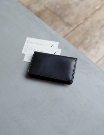 Black-nume カードケース 16,500円(税込)