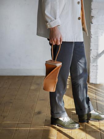 ▲持ち手部分は高さ16cm。肘にかけても持ち歩ける長さです。