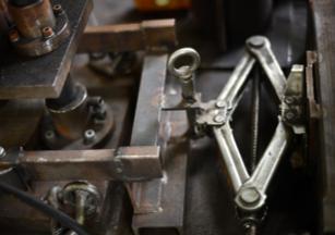 建設機械製造で使用する治具