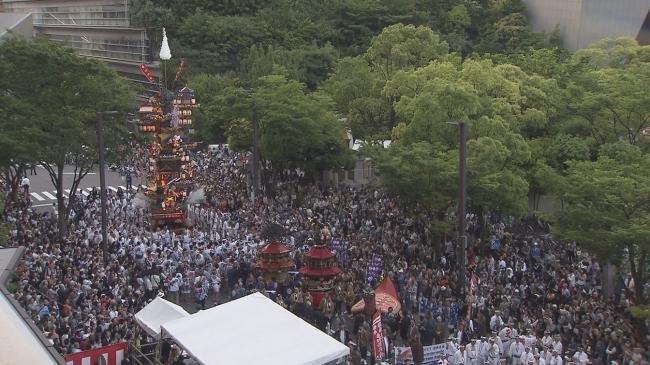 福岡市役所前、  今年の「祭 WITH THE KYUSHU」の様子