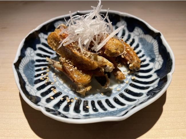 胡麻と蜂蜜のカリッと手羽中 ~真昆布醤油仕立て唐揚げ~