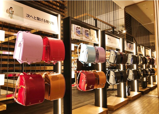 奈良 蔦屋書店1階特設コーナーに「地球NASAランドセル」のPOPUP STOREが展開中(7月11日迄)