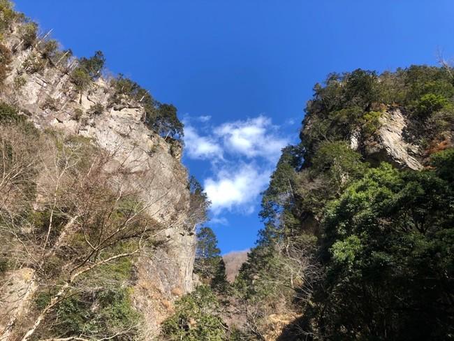 檜原村随一のパワースポット「神戸岩」