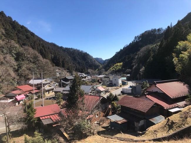 今も昔も変わらない山里の風景