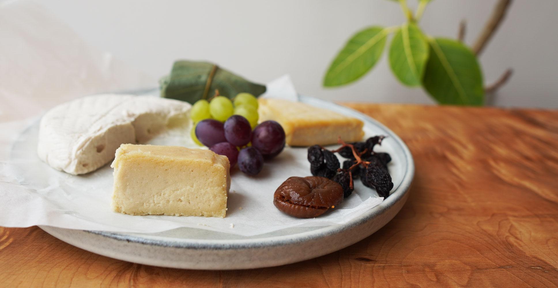 """ヴィーガンYouTubeチャンネル「TOKYO VEG LIFE」が乳製品不使用の""""チーズ""""ブランド を発表。2021年5月29(..."""