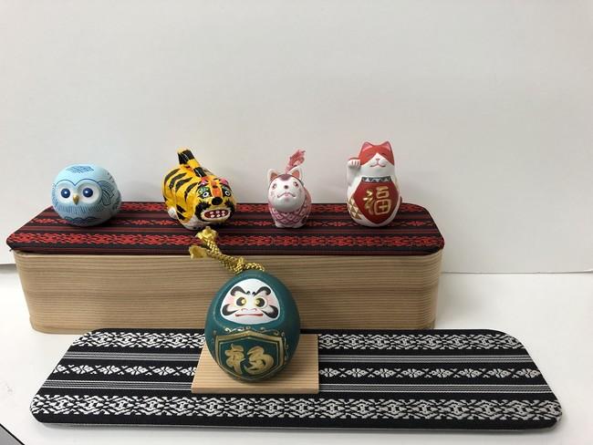 博多曲物は飾り棚や箱として、仕切りも飾り台として万能に使えます