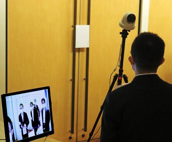<サーモカメラによる体温検出の例:多人数検出イメージ>