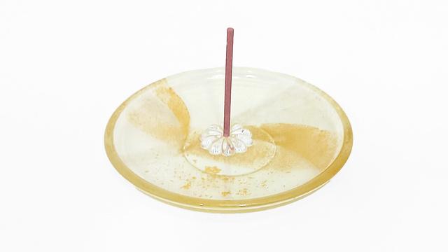 5,900円(税込)のご支援:お香立て付き小皿×1点