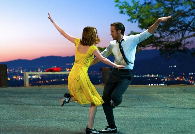 Sebastian (Ryan Gosling) and Mia (Emma Stone) in  LA LA LAND. Photo courtesy of Lionsgate.
