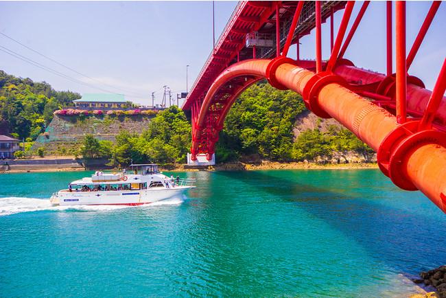 風光明媚な島々をめぐる天草五橋クルージング