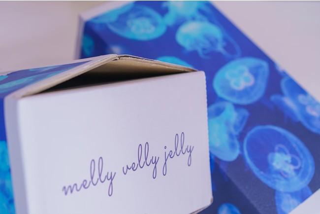 一定量以上ご注文の方には、ミズクラゲが描かれた専用ボックスでお届け