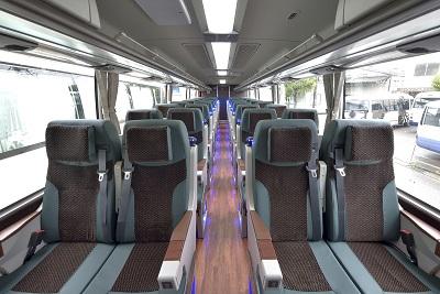 観光バス車両初の「シートベルト装着確認システム」