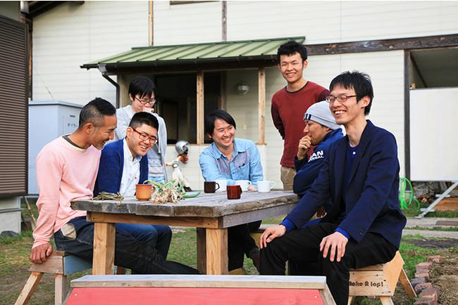 人おこしシェアハウス|10~20名の仲間たちとの共同生活をスタッフがサポートする
