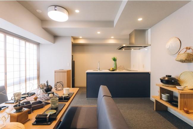 『MIMARU SUITES 京都四条』客室(リビング)