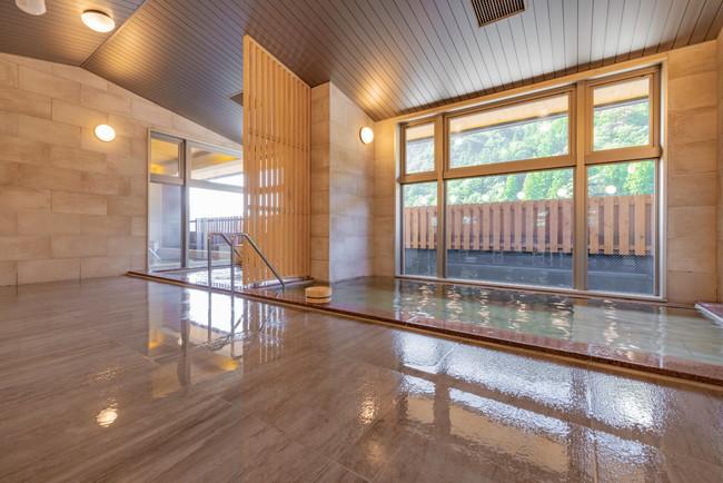 山々の景色を眺めながらの大浴場