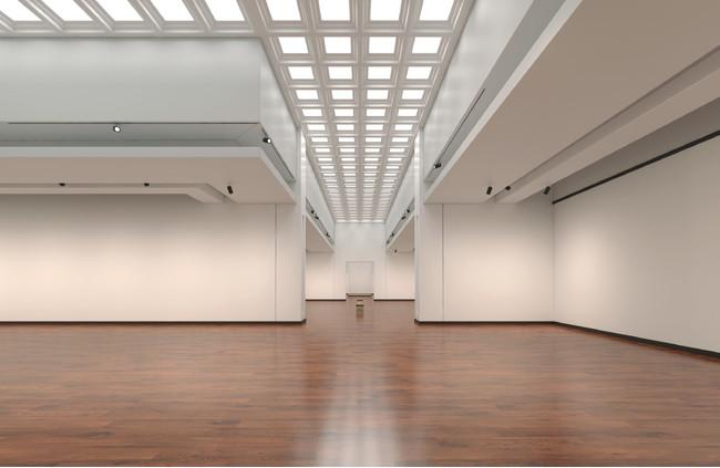 Art in White 長方形の白を基調にした壁面の展示室