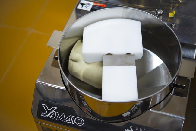 蕎麦に情熱を燃やし、ついに練り込み装置「菊二郎」が完成