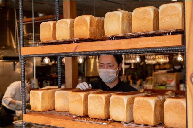 毎日、粉からコネて焼き上げる 100%手作りの食パン 名付けて「日々パン」