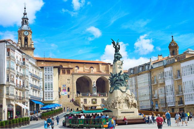 バスク自治州政府が置かれている、ビトリア=ガステイスの広場。