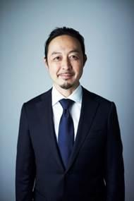 株式会社ファミリア 代表取締役社長 岡崎 忠彦氏