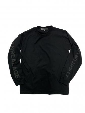 「AGE」ロングスリーブTシャツ ¥12,960(反射前)