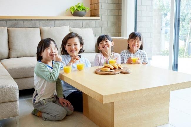 横浜産「カンナ削りの木のストロー」SDGsストロー・ヨコハマが横浜市内ホテルで初・提供開始