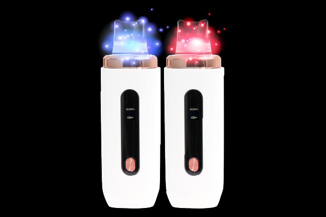 光ウォーターピーリング美顔器 LED点灯イメージ