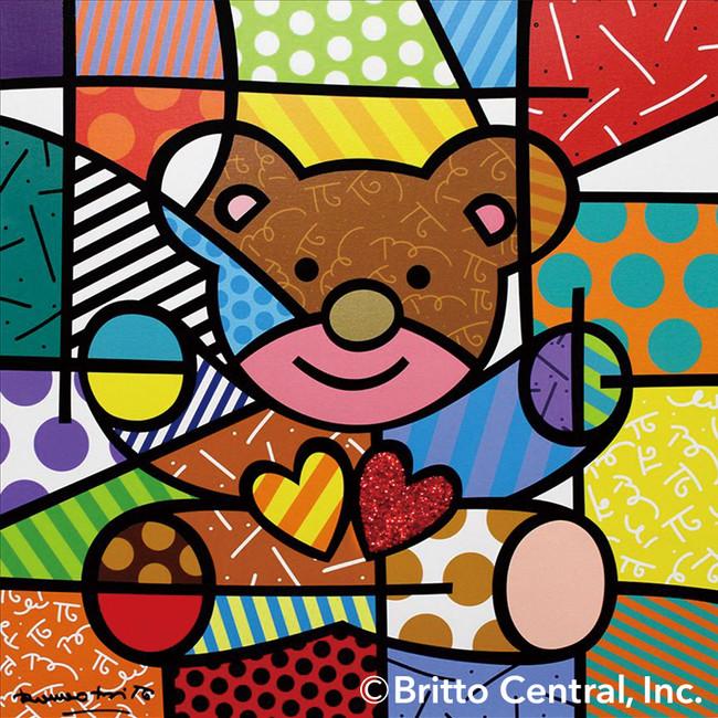 作品名:HAPPY (BEAR) ロメロが大好きな熊さんシリーズの一つ。ファンタジー溢れるイメージのこの熊さんは老若男女問わず誰からも愛さています。
