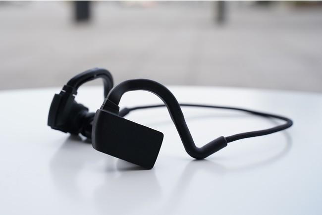 脳波計測機能付きイヤホン型デバイス