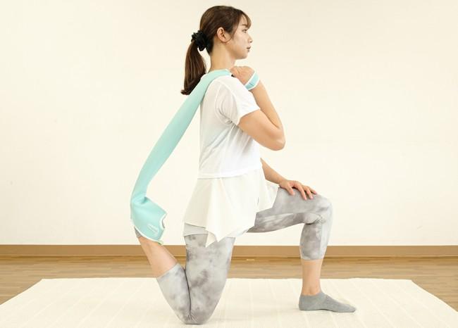 足関節可動域訓練(底屈)をしながらもも前側と腸腰筋のストレッチ