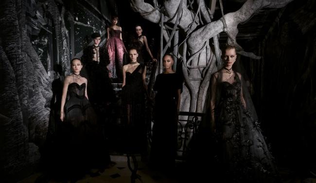Camillle Vivier pour Dior