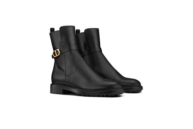 """""""ディオール アンプラント"""" ブーツ ¥195,800"""