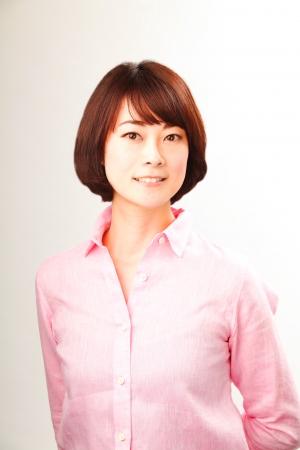 一般社団法人 地域復興 美と笑顔を繋ぐ会 代表理事 高橋果内子